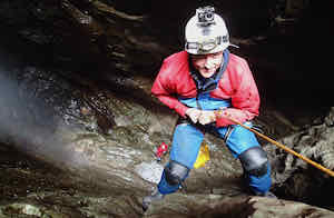 Abseiling into P8 cave Near Castleton