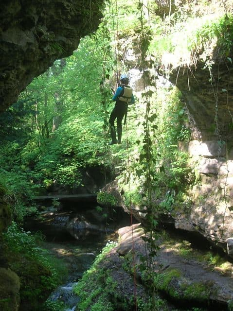 Abseiling_in_Yorkshire_1