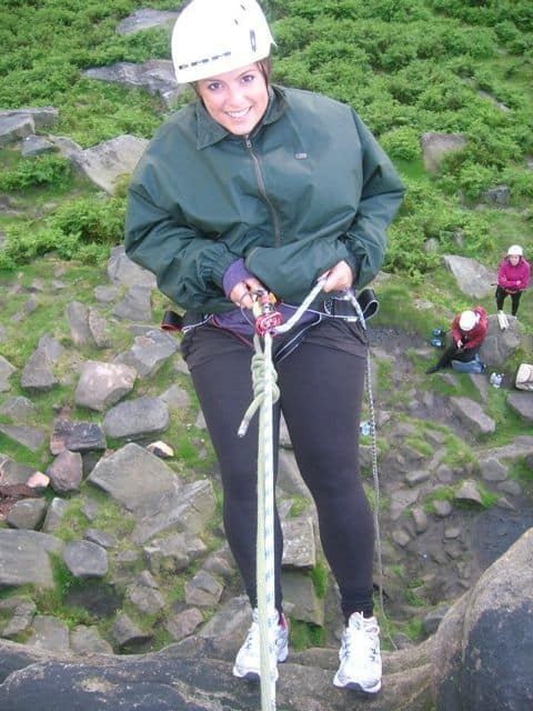 Abseiling_in_the_Peak_District_15