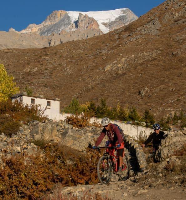 annapurna-circuit-trek-and-cycle