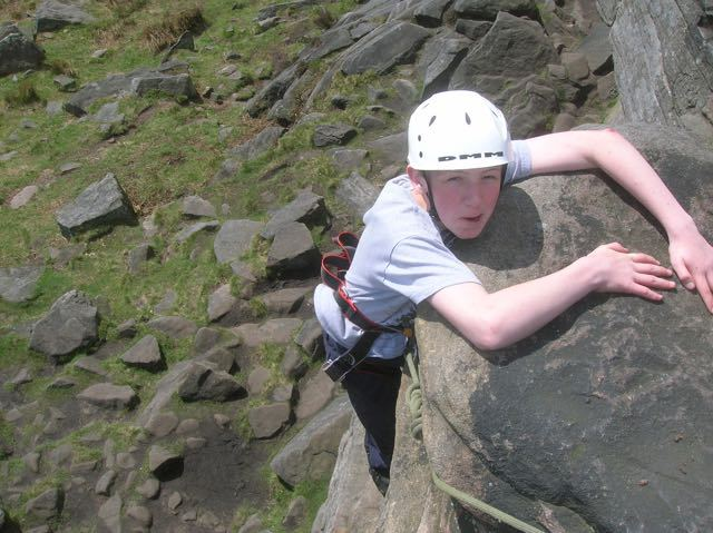 Boy-Climbing-Top-Rope-Peak-District-Burbage-Rocks