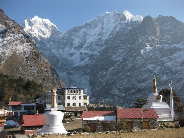 buddhist-monestarys-in-the-nepalese-himalaya