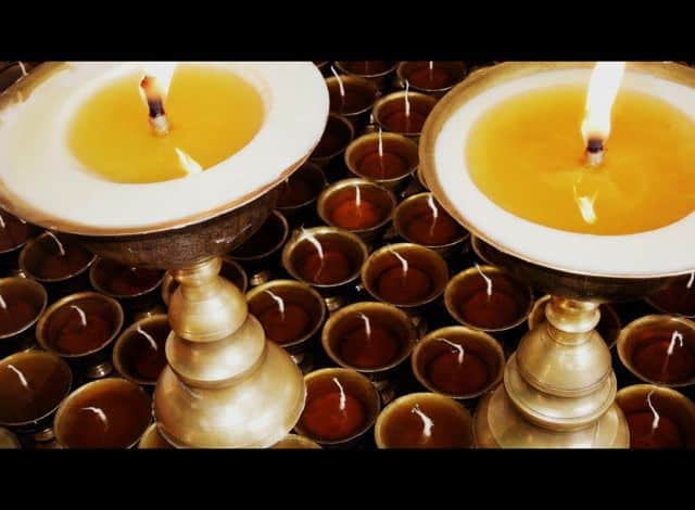 Butter_Lamps_Nepal_73
