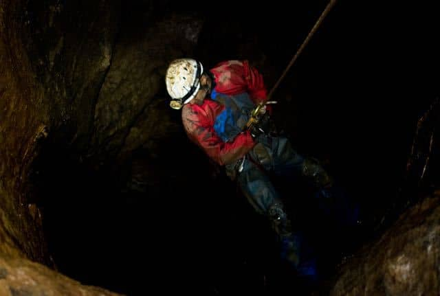 Caving-Abseil-Bagshawes-Cave-Peak-District-Derbyshire