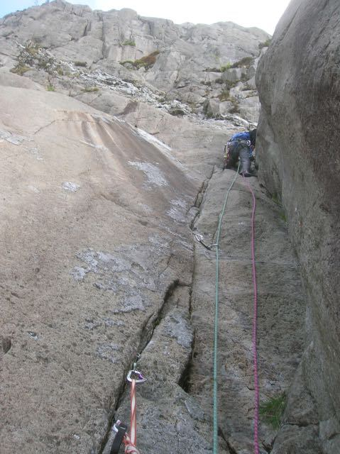 Climber-Multi-Pitch-North-Wales