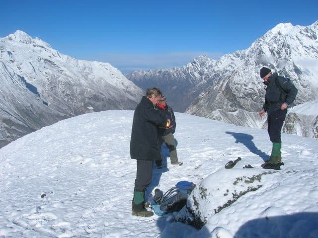 Climbing_the_south_ridge_of_Tserko_Ri_7