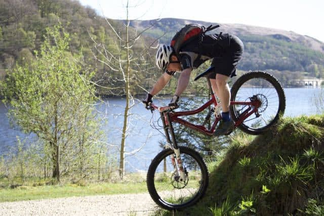 Course-in-riding-steep-ground-mountain-bike