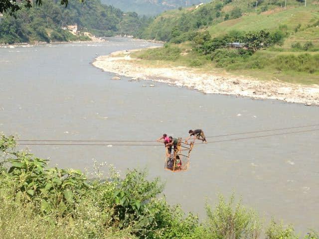 Crossing-a-Nepali-River-in-a-Basket