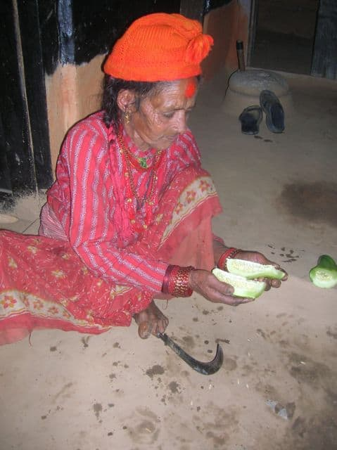 Cutting_vegetables_21
