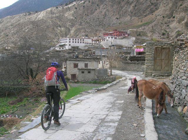 Cycling_into_Marpha_9