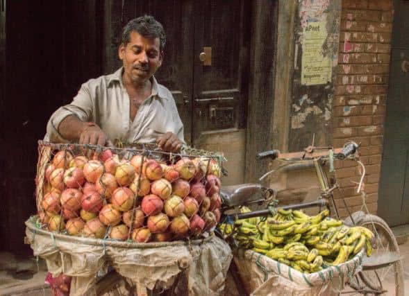 Fruit-seller-kathmandu-bicycle