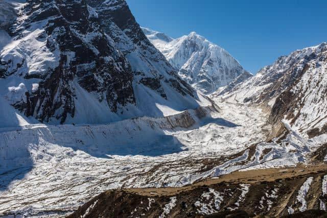 Glacier on Manaslu Circuit