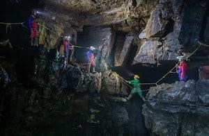Caving course in Goyden Pot