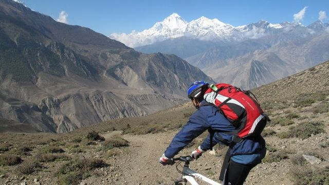 Great_mountain_biking_with_Dhaulagiri_in_the_back_ground_26