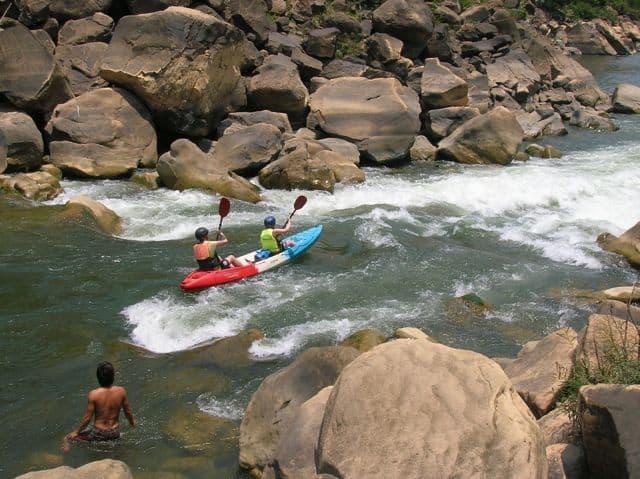 Having_fun_in_the_river_15