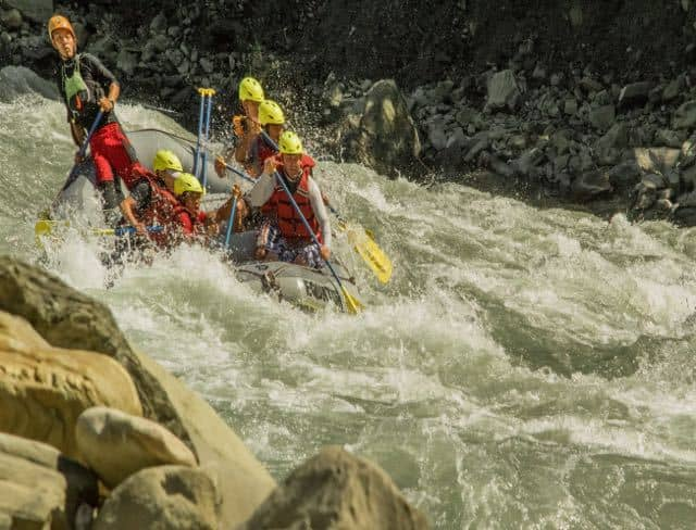 Himalayan-Big-Volume-White-Water-Rafting