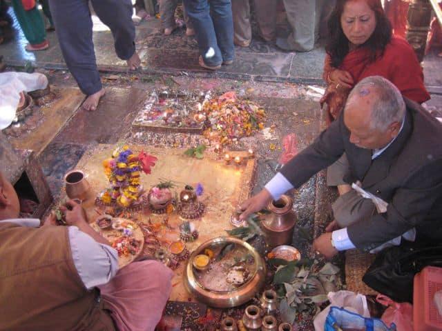 Hindus_in_Kathmandu_33