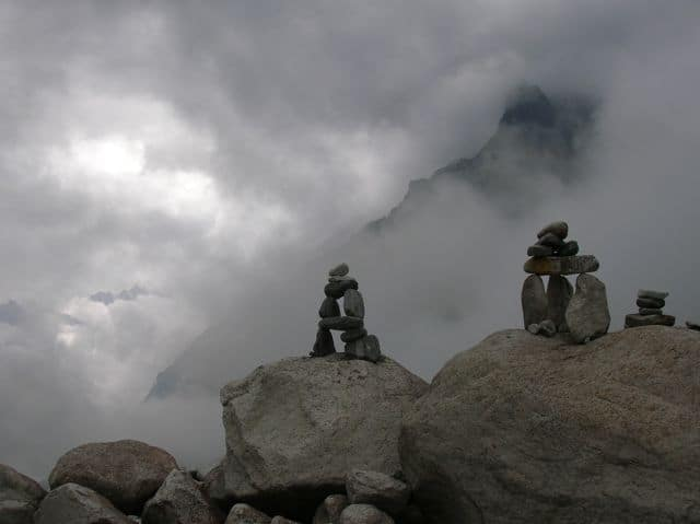 Inukshuks_in_the_Langtang_13