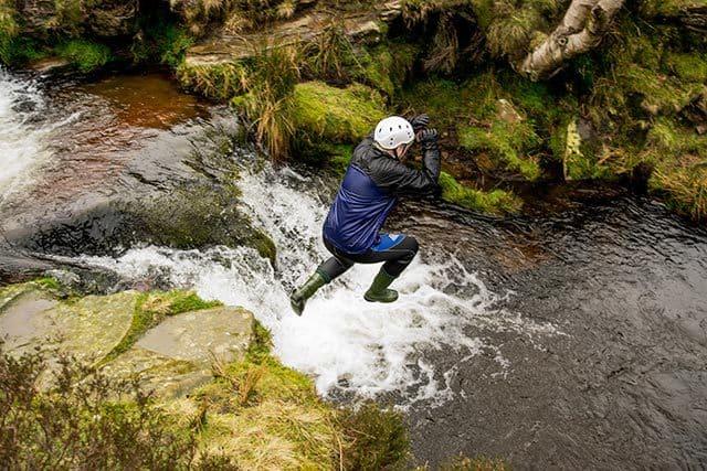 Jump-Derbyshire-Gorge-Scramble