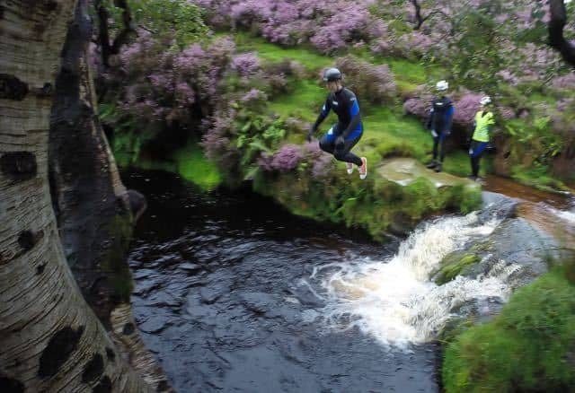 Jumping-Gorge-Walking-Hathersage