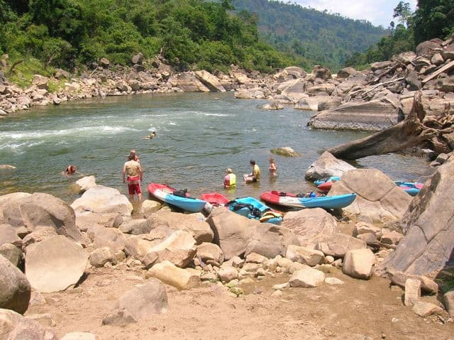 Kayaking_somewhere_in_the_center_of_Laos_16