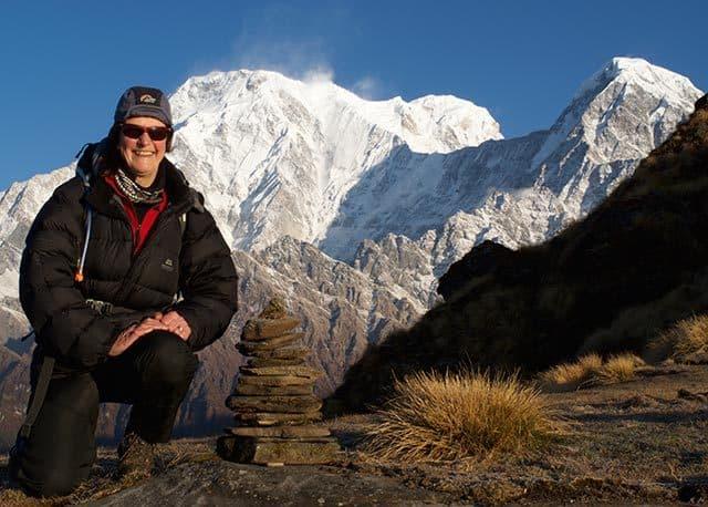Lady-Trekker-Annapurna-South