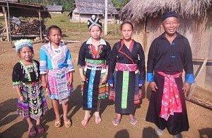 Local-Hmong-Family-Laos