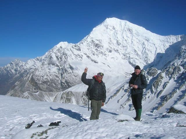 Looking_over_to_Langtang_Lirung_18