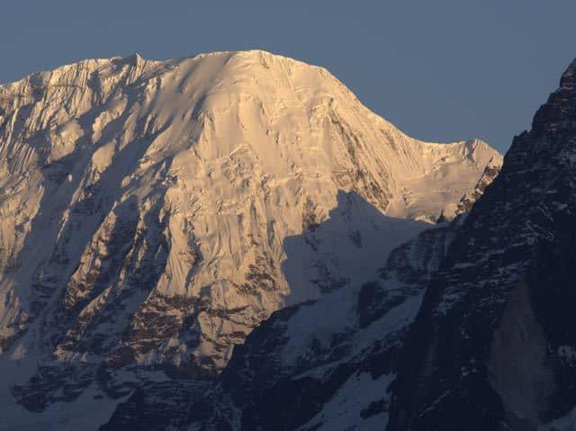 Makalu-Mountain-Snow-Sunset