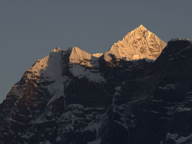 Makalu-Peak-Mountain-Sunset