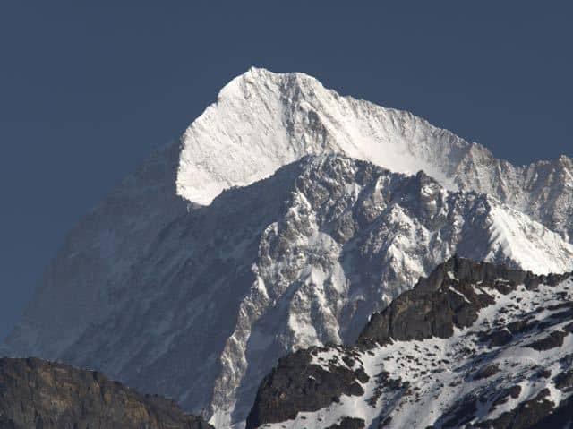 Makalu-Peak-Snow
