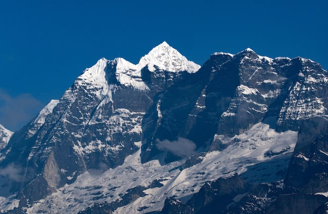 Makalu-Peak-Snowcapped