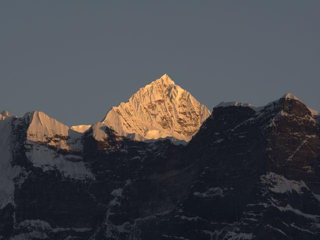 Makalu-Peak-Sunset