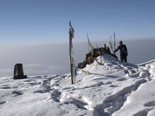 Makalu-Snow-Man-Trekking
