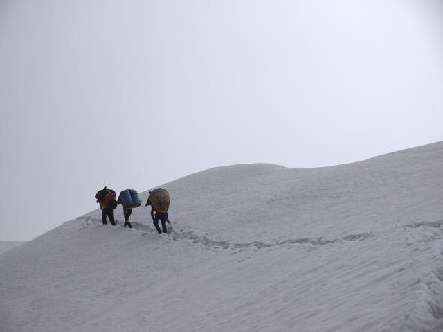 Makalu-Trekking-Group-Snow