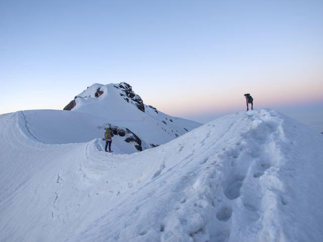 Man-Dog-Trekking-Makalu-Peak-Snow