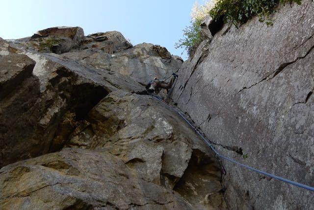 Man-Lead-Climbing-Overhang