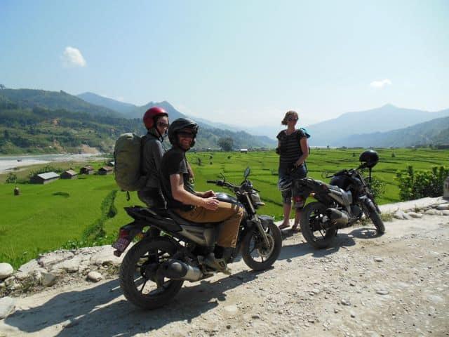 Motorcycling_through_the_Himalayas_34