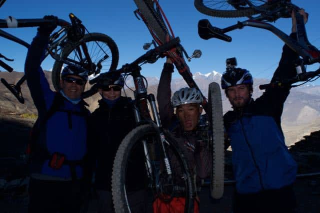 mountain-bike-group-nepal
