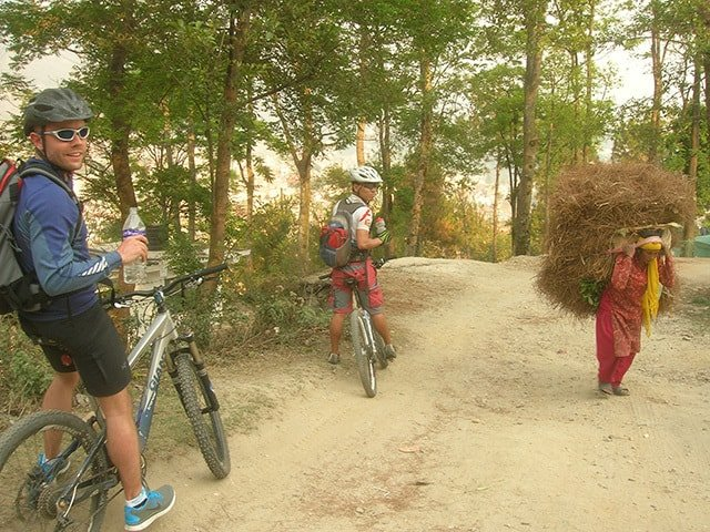 Mountain-Biking-Locals-Nepal