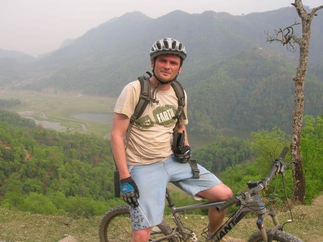 Mountain_biking_in_the_Himalayas_43