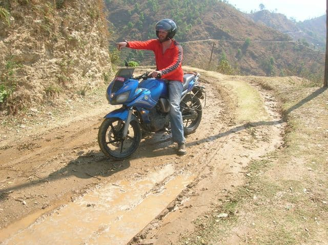 Negotiating_the_mud_on_the_motorbike_28