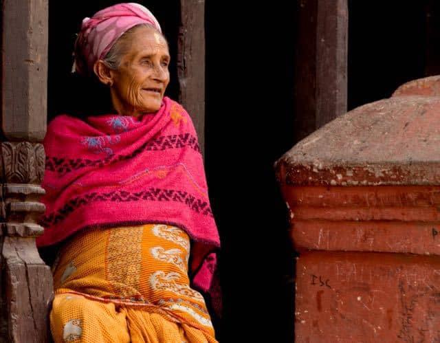 Old-Nepalese-Lady-Kathmandu