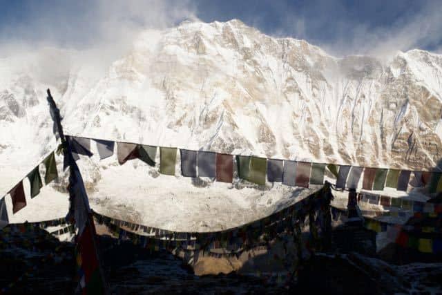 Prayer-Flags-Annapurna-1