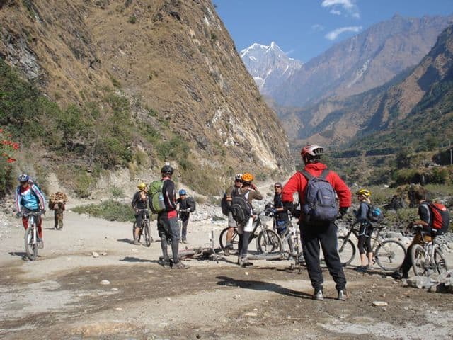 Riding_mountain_bikes_in_the_bottom_of_the_worlds_deepest_gorge._11