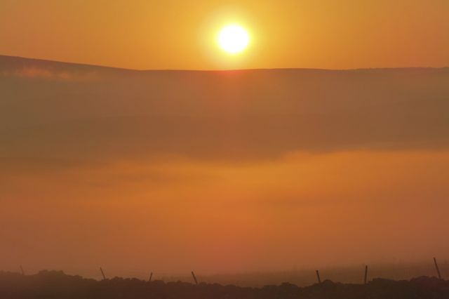 Sunset_over_the_Yorkshire_Dales_15