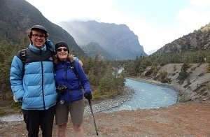 Trekkers-River-Valley-Annapurna-Circuit
