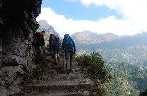 Trekkers-Staircase-Annapurna-Circuit
