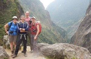 Trekkers-Valley-Annapurna-Circuit