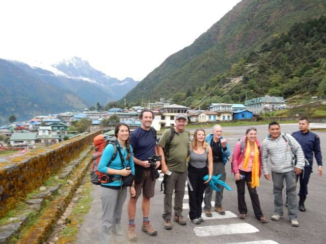 trekking-group-lukla